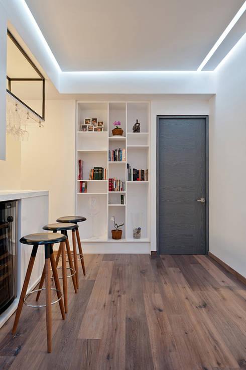 Pasillos y vestíbulos de estilo  por HO arquitectura de interiores