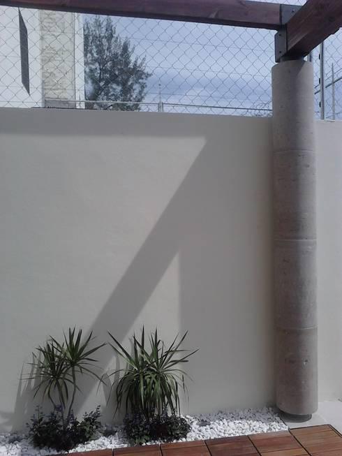 Terraza: Terrazas de estilo  por Arq. Beatriz Gómez G.