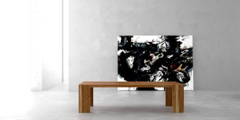 Mesa ratona solid: Livings de estilo moderno por Forma muebles
