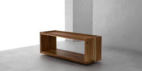 Mesa ratona O: Livings de estilo moderno por Forma muebles