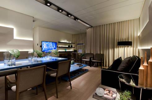 SALA DE ESTAR/ SALA DE JANTAR/ HOME THEATER: Salas de jantar modernas por Matheus Menezes Arquiteto