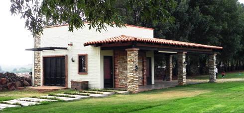 TERRAZA SAN CARLOS DE LAS FLORES: Terrazas de estilo  por arquifika