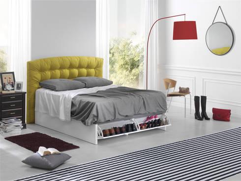 Au Lit: Dormitorios de estilo moderno de ECUS