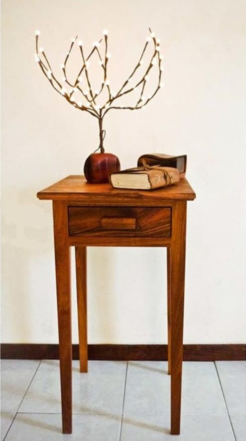 Mesa con cajón : Salas de estilo  por Natureflow®