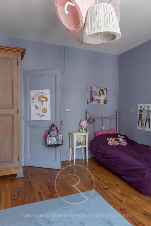 Chambre enfant: Chambre d'enfant de style  par Sandrine RIVIERE Photographie