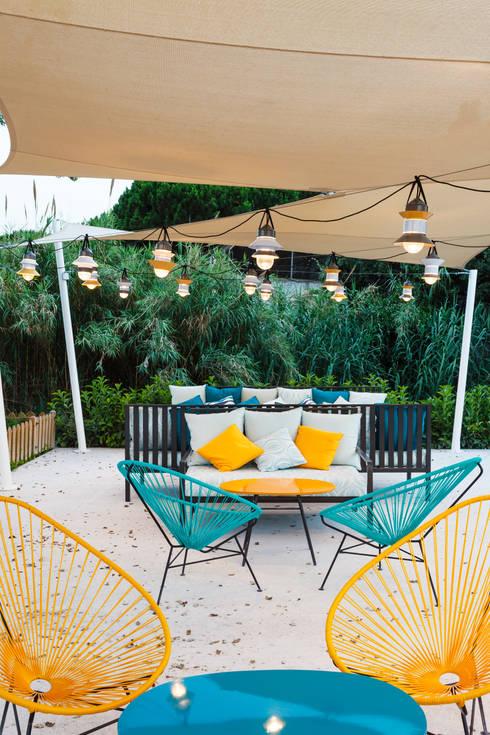 Jardines de estilo  por DyD Interiorismo - Chelo Alcañíz