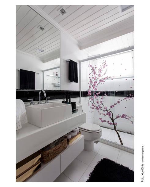 Projekty,  Łazienka zaprojektowane przez Cristiane Pepe Arquitetura