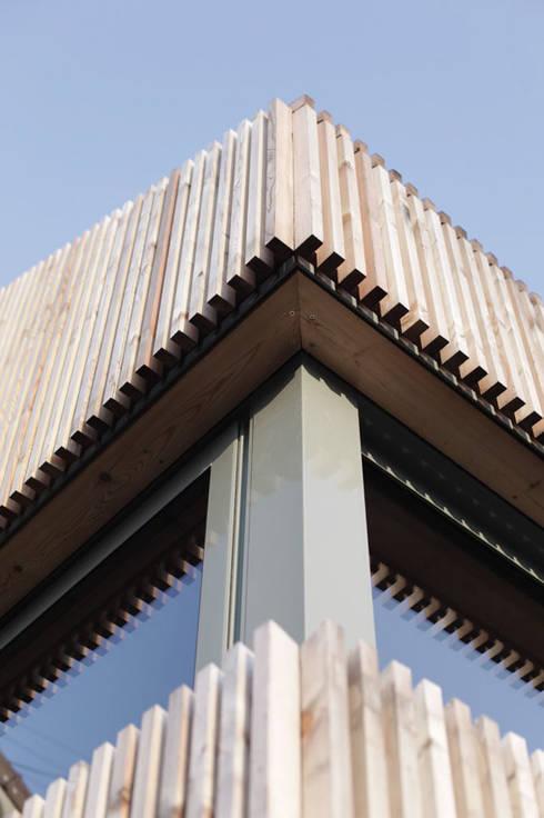 J'habite à Drancy, extension d'une maison : Maisons de style  par Atelier d'Architectures Fabien Gantois