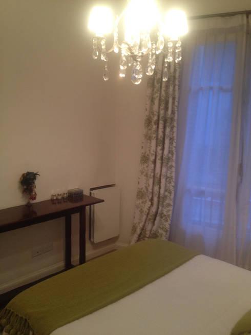 Remodelación Dormitorio Estilo Francés:  de estilo  por Estudio Nicolas Pierry