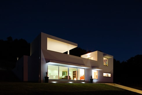 CASA S+L: Casas modernas por joão rapagão
