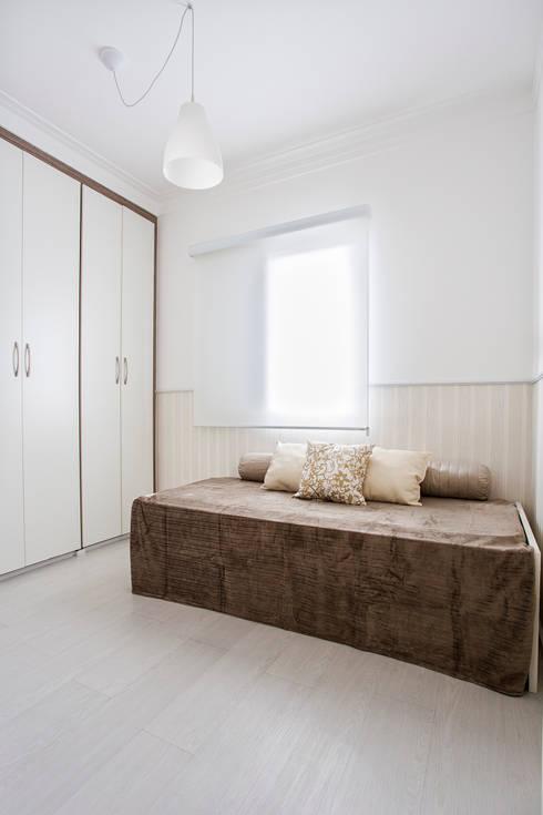 Apartamento São Bernardo: Quartos  por Amanda Pinheiro Design de interiores