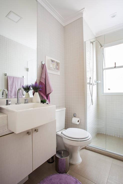 Amanda Pinheiro Design de interioresが手掛けた浴室