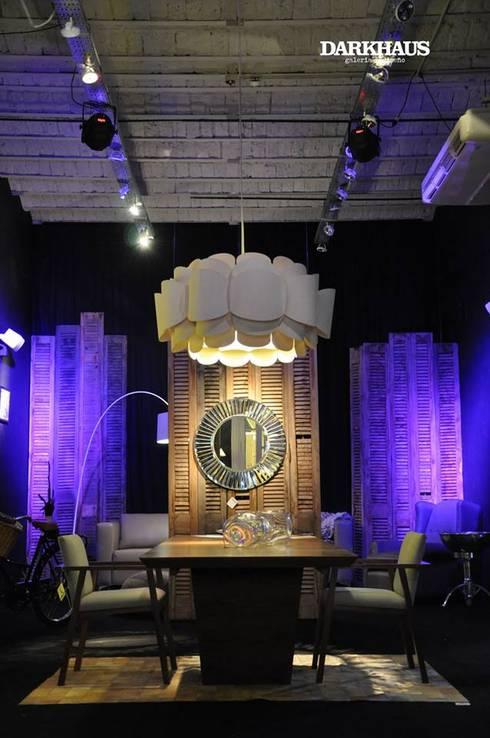 Recorriendo Darkhaus, galería de diseño: Comedores de estilo moderno por DARKHAUS