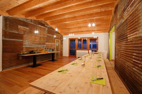 Foresteria 2315 cafè shop & restaurant: Negozi & Locali commerciali in stile  di BEARprogetti - Architetto Enrico Bellotti