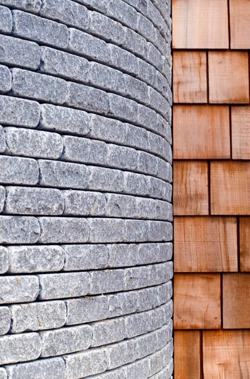 Paredes de estilo  por JAMIE FALLA ARCHITECTURE