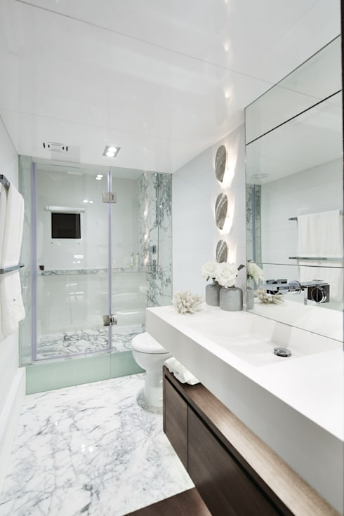 Bathroom 1: modern Yachts & jets by Kelly Hoppen