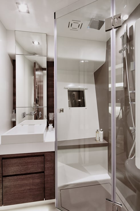 Bathroom 2: modern Yachts & jets by Kelly Hoppen