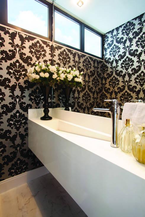 ZAAV-Casa-Interiores-1233: Banheiros minimalistas por ZAAV Arquitetura