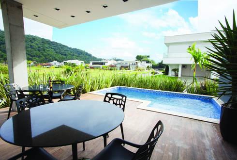 ZAAV-Casa-Interiores-1233: Piscinas minimalistas por ZAAV Arquitetura