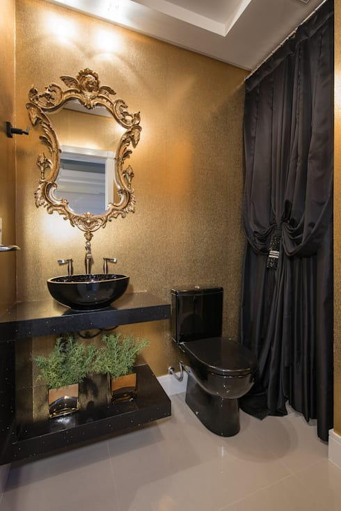 SHOW ROOM EM ITAPEMA, SANTA CATARINA: Banheiros clássicos por Athos Peruzzolo Arquitetura