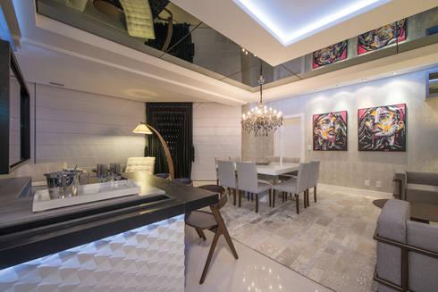 SHOW ROOM EM ITAPEMA, SANTA CATARINA: Salas de estar modernas por Athos Peruzzolo Arquitetura