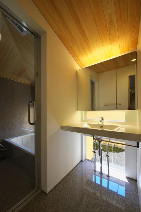 ห้องน้ำ by 五藤久佳デザインオフィス有限会社