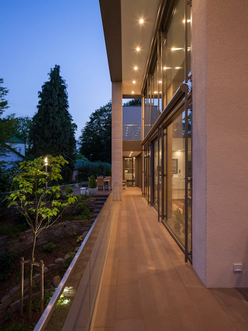 Terrasse:  Terrasse von ARCHITEKTEN BRÜNING REIN