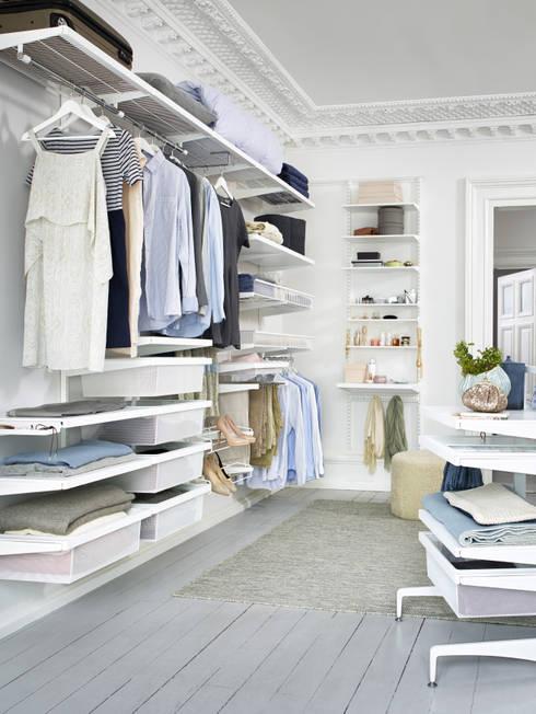 Begehbarer Kleiderschrank: skandinavische Ankleidezimmer von Elfa Deutschland GmbH
