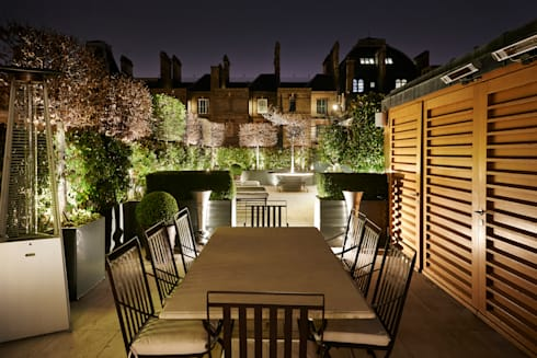 Nightime Alfresco Dining: modern Garden by Cameron Landscapes and Gardens