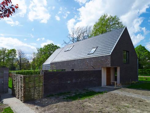 Passiefhuis Witven: moderne Huizen door Thomas Kemme Architecten