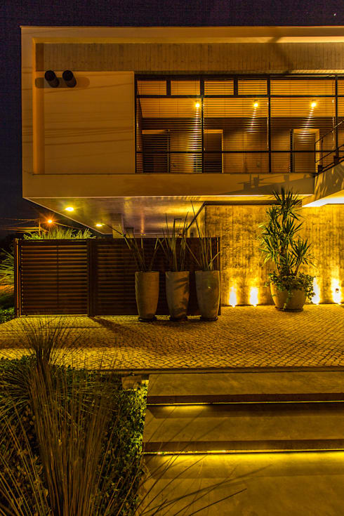 modern Houses by Thiago Borges Mendes Arquitetura