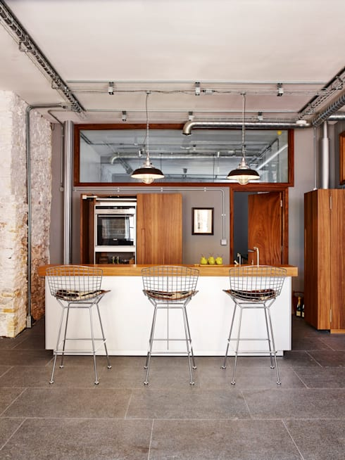 Warehouse Conversion: modern Kitchen by Sapphire Spaces