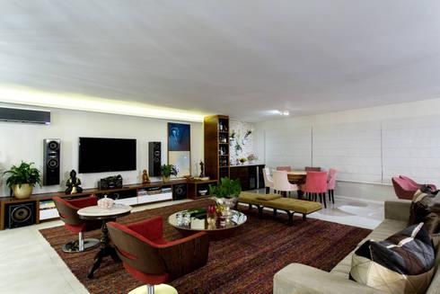 Sala e Varanda Integradas: Salas de estar modernas por Bruno Sgrillo Arquitetura
