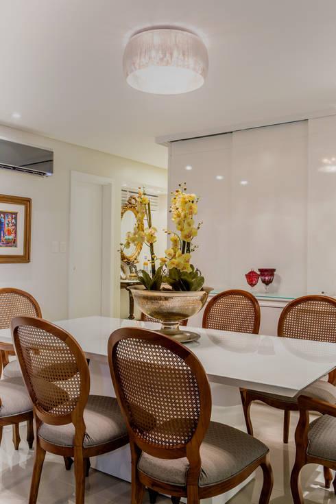 Sala de Jantar : Salas de jantar modernas por Bruno Sgrillo Arquitetura