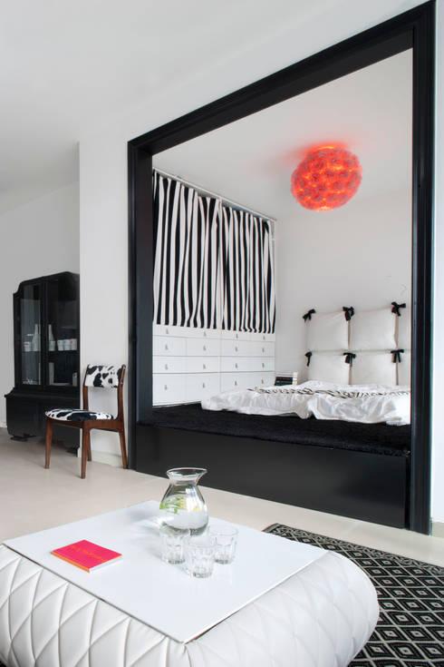 Dormitorios de estilo  por Sic! Zuzanna Dziurawiec