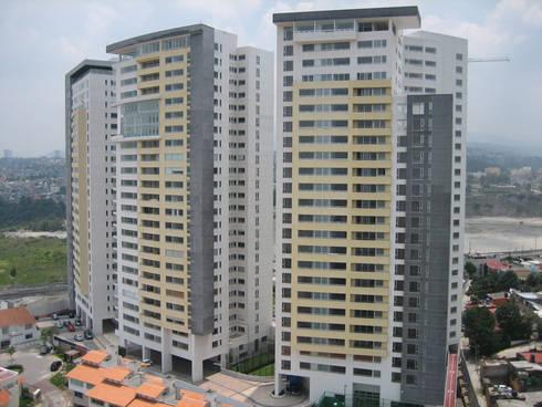 Residencial Aquario: Casas de estilo moderno por Grupo Nodus Arquitectos