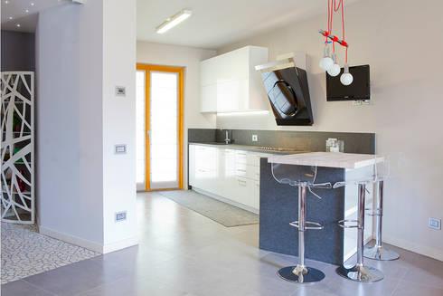 Rovere sbiancato per scale e top cucina di Semplicemente Legno ...