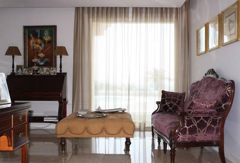 sala de estar: Sala de estar  por Joana Conceição - Architecture and Interior design