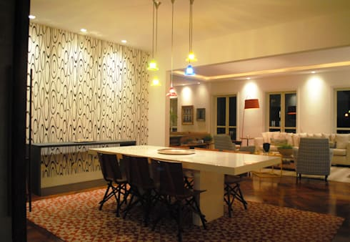 APARTAMENTO PLACE DES VOSGES: Salas de jantar modernas por GABRIEL HERING