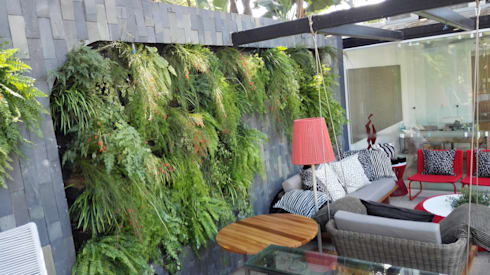 jardim vertical:   por Top Gardens Paisagismo Vertical