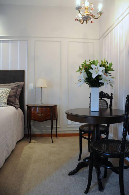 Quarto do Casal: Quartos  por Clô Vieira Design de Interiores