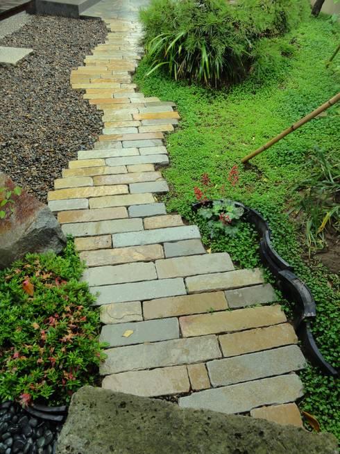 通路: 木村博明 株式会社木村グリーンガーデナーが手掛けた庭です。
