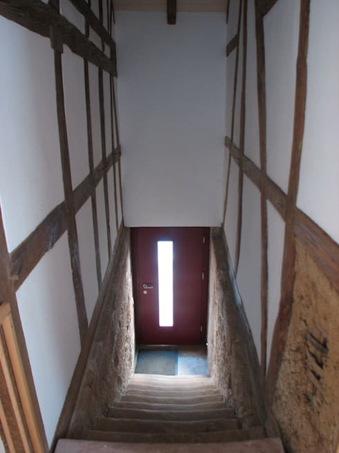 Revitalisierung Haus Z. Marburg:  Flur & Diele von kg5 architekten