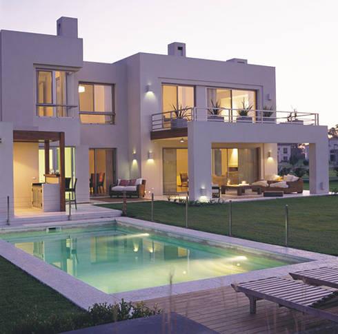 Exteriores de junor arquitectos homify for Casas modernas exteriores