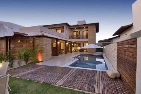 2: Casas tropicais por Carlos Ribeiro Dantas Arquitetos Associados