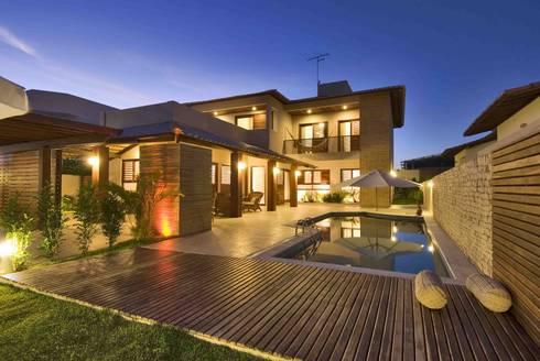 3: Casas tropicais por Carlos Ribeiro Dantas Arquitetos Associados
