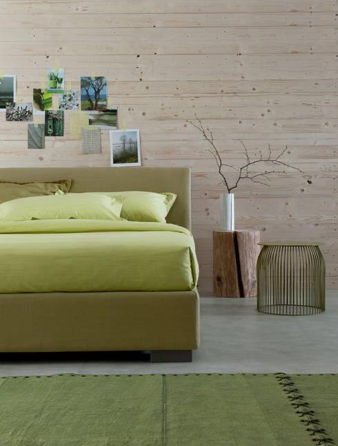 PASSION FOR DETAILS: Camera da letto in stile in stile Moderno di OGGIONI - The Storage Bed Specialist