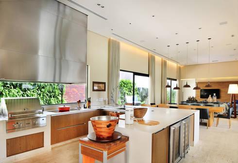 Arquitetura e Interiores: Terraços  por BRENO SANTIAGO ARQUITETURA E INTERIORES