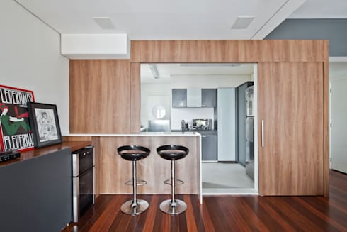 abertura sala/ cozinha: Salas de estar minimalistas por Laranja Lima Arquitetura