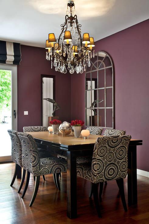 Apartamento em Cascais: Sala de jantar  por Pureza Magalhães, Arquitectura e Design de Interiores